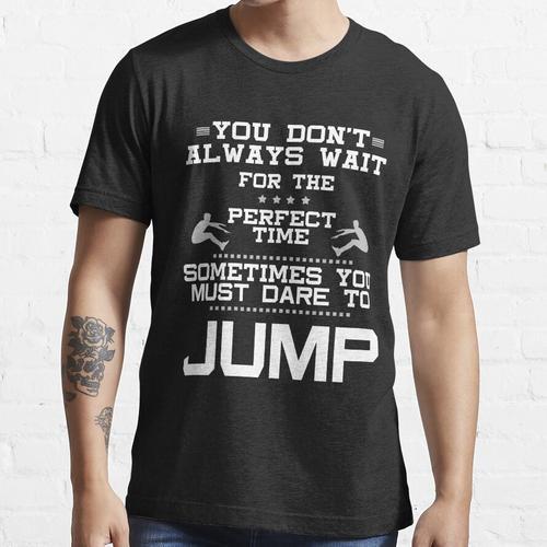 Weitspringer Weitsprung Dreisprung Geschenk Idee Essential T-Shirt