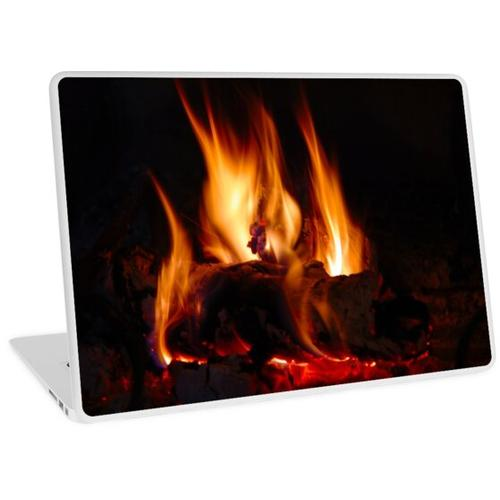 Feuer im Kamin Laptop Skin