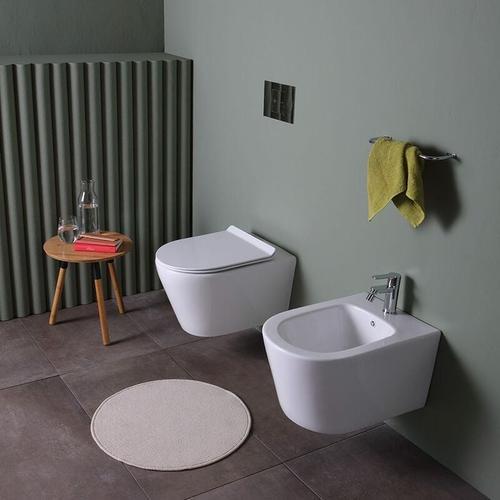 Hängende Keramik-Bidets Und Toiletten Mit Wasserspülung Blues
