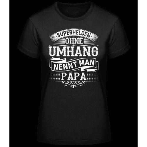Superhelden Nennt Man Papa - Basic T-Shirt