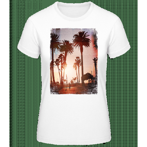 Palmen Promenade - Frauen Basic T-Shirt