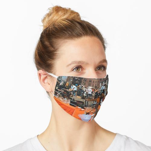 26th Street Flohmarkt Maske