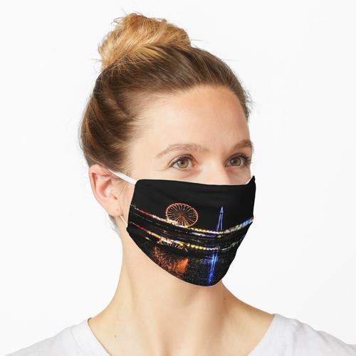 Blackpool in der Nacht Maske