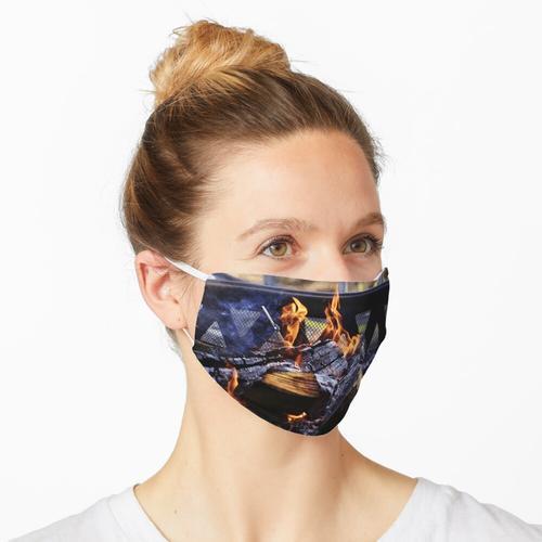 Kamin Maske