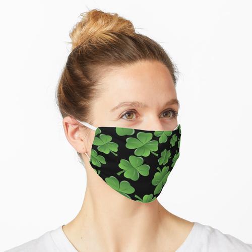 Ein Kleeblattfeld für den St. Patrick's Day Maske