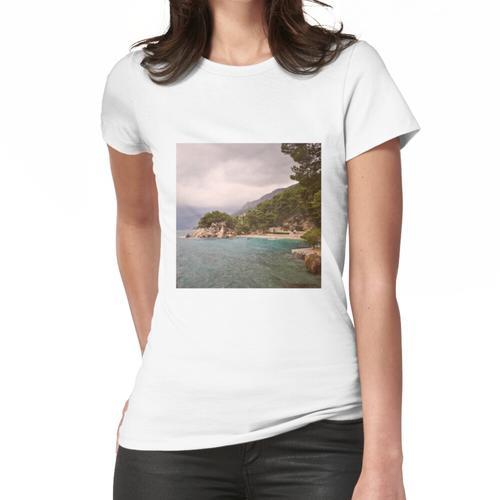 Strand an der Riviera von Makarska Frauen T-Shirt