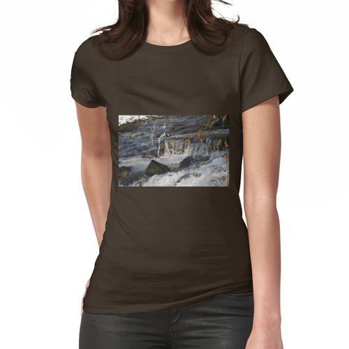 Eiszapfen über dem Avon Frauen T-Shirt